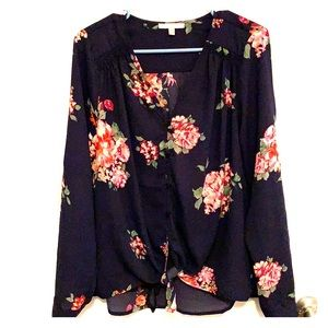 Skies are Blue Floral blouse size L